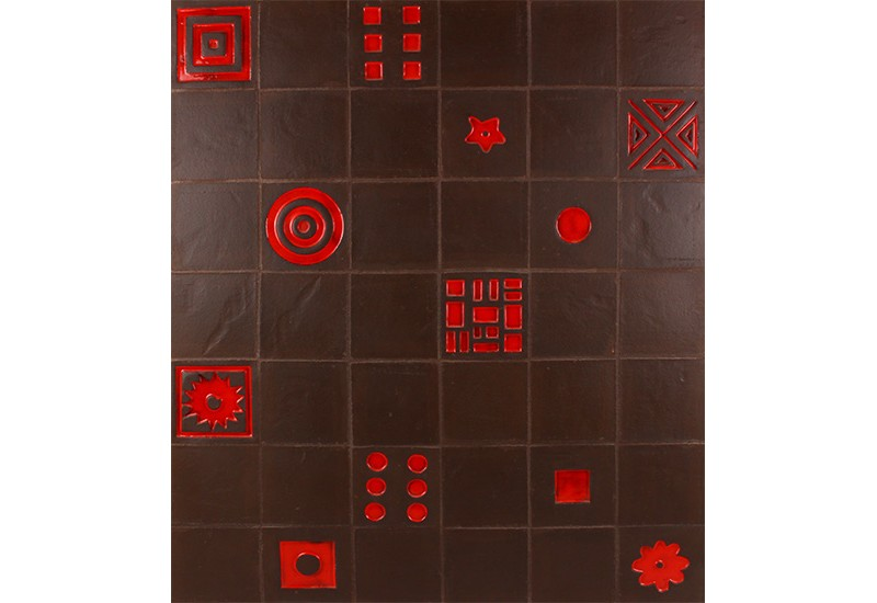 ceramique noire a relief design
