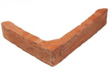 brique d'angle vieillie