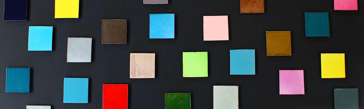 Faience carrée : carreaux de carrelage uni salle de bain et cuisine