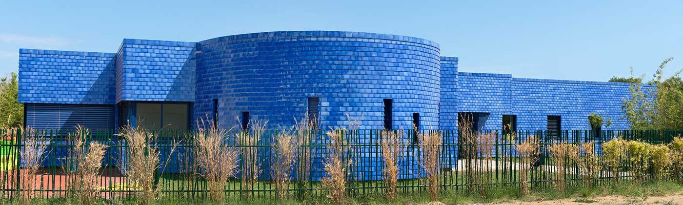 Hand-cafted glazed tile for your roof: curved tiles, fish-scale...