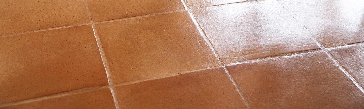Terre cuite de sol lisse : carrelage intérieur artisanal