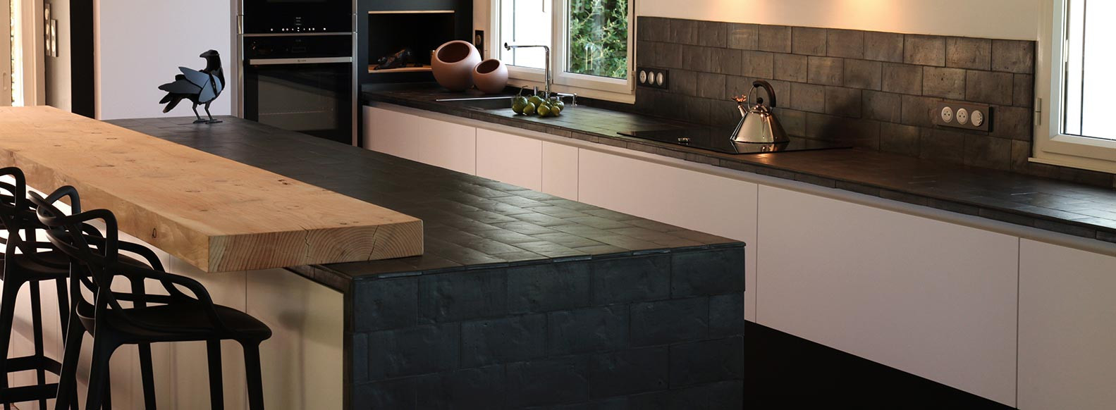 Rectangular ceramic tiles for your kitchen